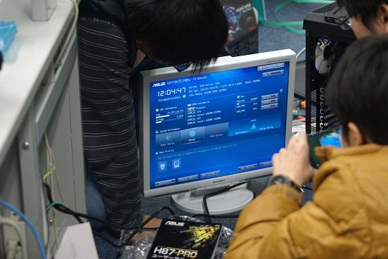 ディスプレイ 自作PC