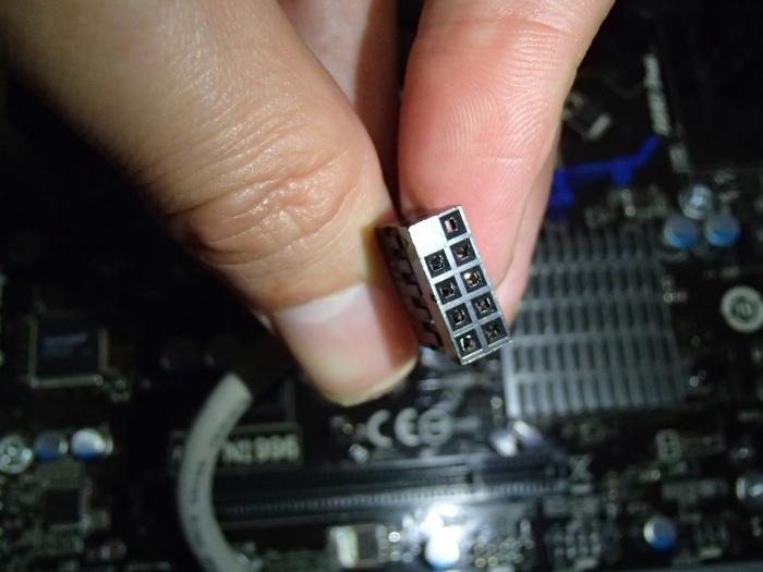 フロントパネル USB 接続
