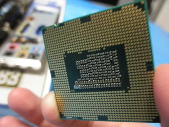CPU ピン折れ