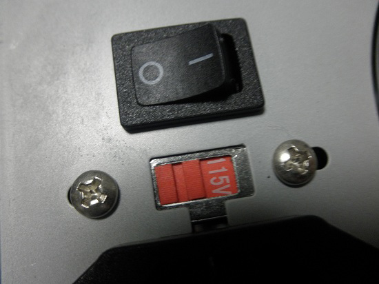 電源ユニット 電圧
