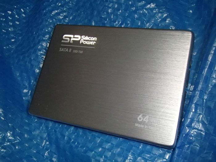 SSDは2.5インチのみ