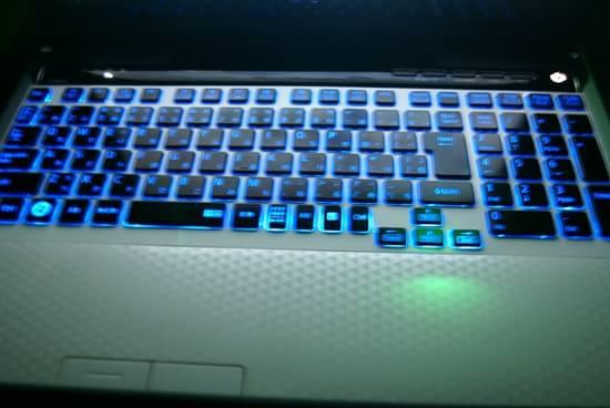 LL750/HS3EW 光るキーボード