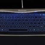 魅せる透明ガラス製タッチキーボード降臨!幻想的なLEDライトアップでビジュアルを楽しむ新感覚の商品!